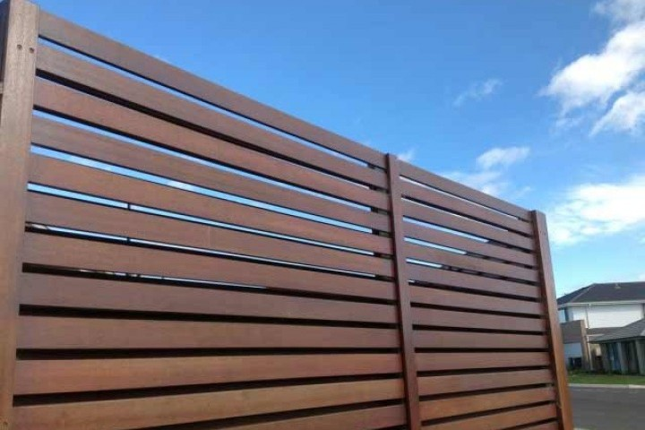 AliGlass Solutions Fencing in 720 480